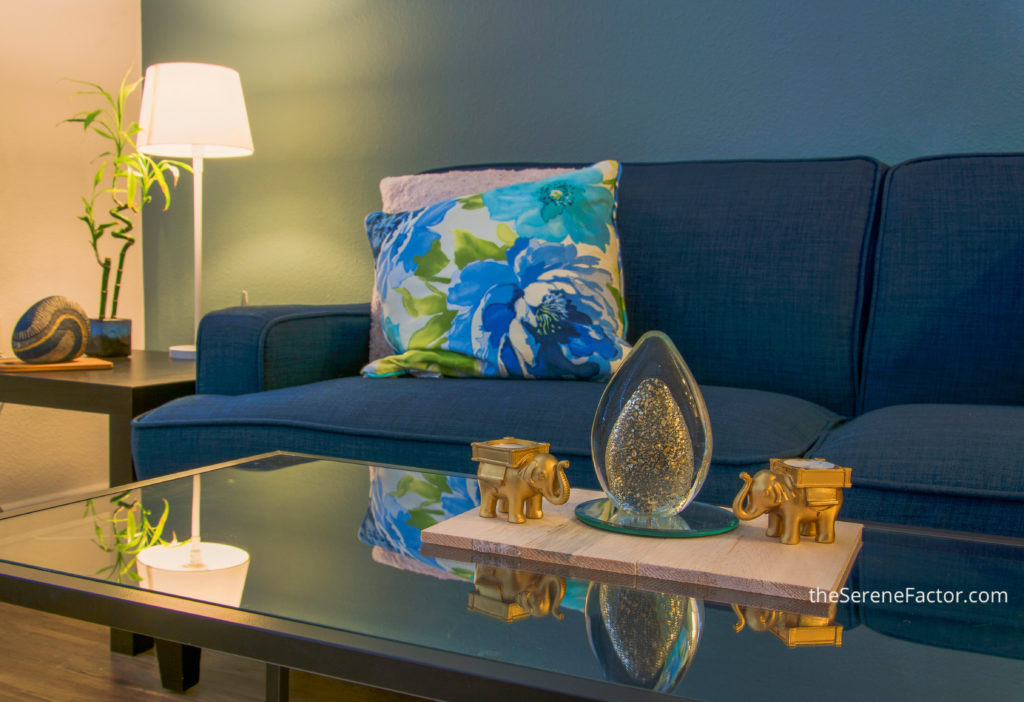 living-room-blue-gold-accents